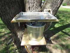 Making a Hummingbird Water and Bathing Tray Out of a Cookie Sheet Squirrel Proof Bird Feeders, Garden Globes, Pond Water Features, Bird House Kits, Shabby, Sunburst Mirror, Natural Texture, Bird Houses, Backsplash
