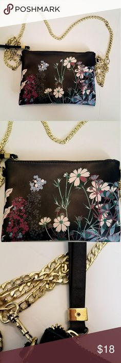 Merona Navy Flower Shoulder Purse Gold Chain Perfect condition! Very beautiful purse, navy color with light pink flowers 💗 Check out my closet ❣ Merona Bags Shoulder Bags