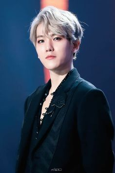 He's more beautiful than me. Chanyeol Baekhyun, Exo K, Park Chanyeol, Chen, Chanbaek, K Pop, Got7, Kim Minseok, Celebrity List