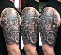 70 Biker Tattoos for Men - Manly Motorcycle Ink Design Ideas - Tattoo-Ideen - Motorrad Harley Tattoos, Harley Davidson Tattoos, Biker Tattoos, Motorcycle Tattoos, Motorcycle Gear, Hot Rod Tattoo, I Tattoo, Tatouage Lowrider, Tattoo Motos