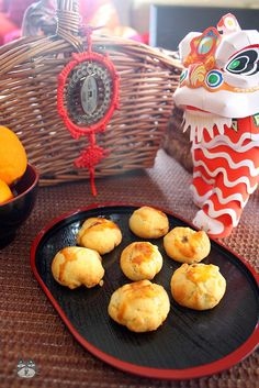 Airinie Cooks: Her Eclectic Kitchen: Kueh Tat (Pineapple Jam Tarts)