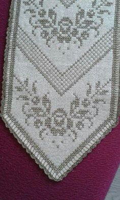 Cross Stitch Designs, Cross Stitch Patterns, Le Point, Diy And Crafts, Embroidery, Counted Cross Stitches, Stitch Patterns, Cross Stitch Embroidery, Towels
