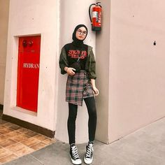Modern Hijab Fashion, Street Hijab Fashion, Hijab Fashion Inspiration, Muslim Fashion, Korean Fashion, Casual Hijab Outfit, Ootd Hijab, Hijab Chic, Casual Outfits
