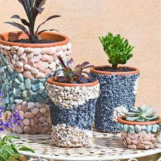 12 Awesome Flower Pot Tutorials to Beautify Your Garden | HipHomeMaking Follow Us on Facebook ==> https://www.facebook.com/HipHomeMakingOfficial