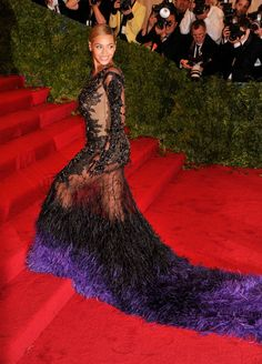 Beyonce finally arrived on the red carpet wearing Givenchy Haute Couture. That's what you call making an entrance.