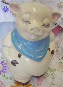 Jazz'e Junque Inc. www.jazzejunque.com/Vintage Shawnee Smiley Pig Cookie Jar