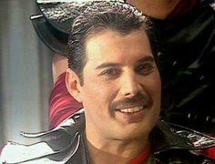 best ideas about Freddie Mercury Freddie Mercury Teeth, Queen Freddie Mercury, Mr Fahrenheit, King Of Queens, Roger Taylor, Queen Love, Greatest Rock Bands, Queen Pictures, Glam Metal