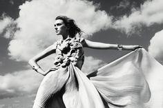 Sky Line | Sigrid Agren | Kerry Hallihan #photography | Muse Magazine 28 Winter 2011