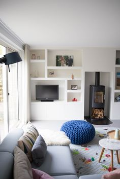 Trendy Apartment Living Room Decor On A Budget Cozy Diy Ideas Living Room Decor On A Budget, New Living Room, Home And Living, Living Room Furniture, Home Fireplace, Living Room With Fireplace, Living Room Theaters, Muebles Living, Design Salon