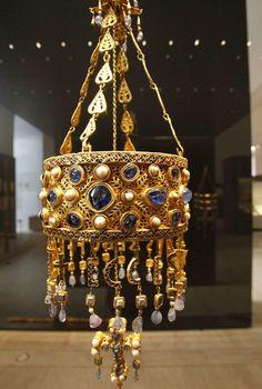 TESORO DE GUARRAZAR. Años 621 d.C. a 672 d.C. Conjunto de coronas votivas y otros elementos de orfebrería hallados a finales del siglo XIX a las afueras de la localidad toledana de Guadamur. (JORGE PARÍS)