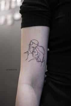 delikatny mały graficzny tatuaż ze zdjęcia Couple Tattoos, Tattos, Minimalist, Couple Tattoos Love, Tattoos For Couples, Tattoos, Minimalism, Couple Tat