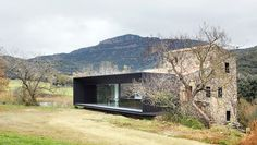 Masía en Olot (Girona), diseño de Bet Capdeferro y Ramón Bosch