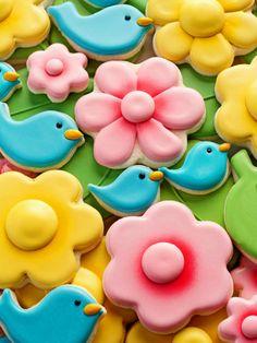 pastries.quenalbertini: Blue Bird and Flower Cookies ( Video tutorial)