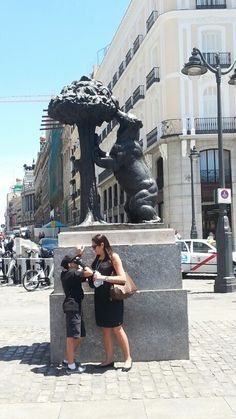 Bear on tree, Madrid, Spain