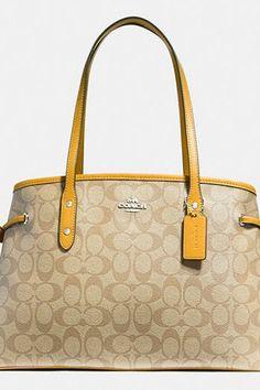 537f2da11442 10 Trendy Handbags on eBay You Can Buy Without the Bidding War  purewow   fashion