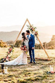 Wedding Ceremony Ideas, Wedding Stage Decorations, Wedding Props, Backdrop Decorations, Wedding Guest Book, Wedding Trends, Wedding Designs, Backdrop Wedding, Wedding Arches