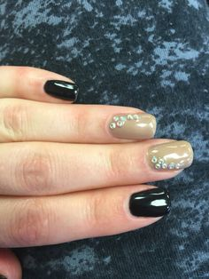 Black and gold mani