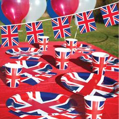 Theme your event in Great British style. British Party, British Themed Parties, Queen 90th Birthday, Paris Birthday, It's Your Birthday, Party Shop Online, Online Party Supplies, Uk Parties, Usa Party
