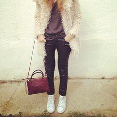 Lentejita fur coat & Stan Smith Adidas Originals & Coach bag #laurasomoza