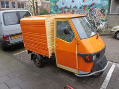 tuktuk orange