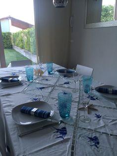 Tavolo apparecchiata con tema marinaro