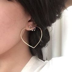 37 Beautiful jewelry ideas for girls - piercing Style Punk Outfits, Indie Outfits, Casual Outfits, Summer Outfits, Coin Pendant Necklace, Shell Pendant, Cute Jewelry, Jewelry Accessories, Jewelry Design