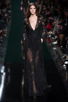 Elie Saab Otoño-Invierno 2014-2015 - Pret a porter - http://es.flip-zone.com/fashion/ready-to-wear/fashion-houses-42/elie-saab-4631 - ©PixelFormula