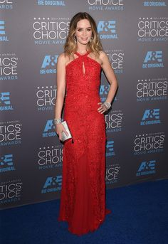 Emily Blunt sizzles in a scarlet Emilio Pucci beaded gown at the Critics' Choice Movie Awards.