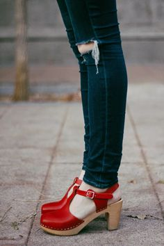 red clogs + ripped jeans www.kerryjune.com