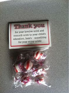 """Switch it up to say to my child's education and use for teacher appreciation :)""""Thank you for your involv-mint and commit-mint, to your child's education, here's something for your enjoy-mint. Will USE this for sure. Open House Tips Student Gifts, Teacher Gifts, Student Desks, Teacher Appreciation, Customer Appreciation, Open House Night, Curriculum Night, Back To School Night, Sunday School"""