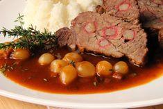 Na přípravu budete potřebovat: cca 700g zvěřiny vcelku ( Já jsem vytáhla nějaký špalík, spíš špičku, ani nevím, z čeho to bylo. Buď... Irish Stew, Pot Roast, Beef, Cooking, Ethnic Recipes, Carne Asada, Meat, Kitchen, Roast Beef