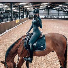 Equestrian Girls, Equestrian Outfits, Equestrian Style, Cute Horses, Horse Love, Beautiful Horses, Erin Williams, Horseback Riding Outfits, Horse Girl Photography