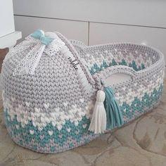 Baby Moses Basket , Baby Bassinet,Crocheted Moses Basket,gift for babies Diy Crochet Basket, Crochet Basket Pattern, Crochet Patterns, Baby Moses, Doll Carrier, Baby Baskets, Moses Basket, Baby Bassinet, T Shirt Yarn