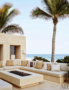 Chic Beach Home / Cindy Crawford and George Clooney's Cabo San Lucas Beach Houses