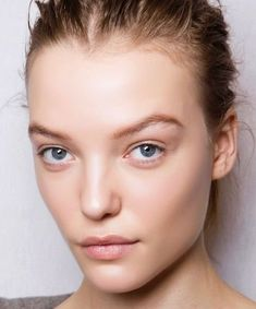 We asked several pros about sensitive skin suffers trying the popular technique in both professional and at-home settings. Model Face, Beauty Women, Sensitive Skin, Portrait, Makeup, Popular, Make Up, Headshot Photography, Portrait Paintings
