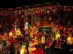 crazy christmas lights | Crazy Christmas Lights | Flickr - Photo Sharing!@Marisa Pennington Foster #Bemorefestive #choosetobemorefestive