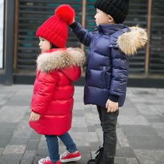 31.34$  Watch here - https://alitems.com/g/1e8d114494b01f4c715516525dc3e8/?i=5&ulp=https%3A%2F%2Fwww.aliexpress.com%2Fitem%2F90-duck-down-Boys-girls-real-raccoon-fur-collar-quilted-duck-Super-light-down-jacket-outwear%2F32788115224.html - 90% duck down Boys girls real raccoon fur collar quilted duck Super light down jacket outwear kids winter warm snow coat