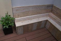 little bench on the balcony - petite banquette sur mesure sur le balcon