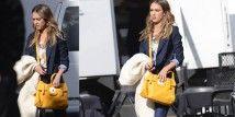 Jessica Alba continua a dettare le tendenze fashion. Non è sfuggita infatti, la sua borsa. Per lei il nuovo modello Gatsby Sport handbag di Longchamp. Jessica Alba, Longchamp, Gatsby, Celebs, Sport, Celebrities, Deporte, Sports, Celebrity