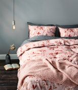 20 Dreamy items for a gorgeous summer bedroom (Daily Dream Decor) Double Duvet Covers, Single Duvet Cover, Duvet Cover Sets, Pale Pink Bedrooms, Bedroom Red, Cool Bedroom Furniture, Wooden Furniture, Scandinavian Interior Bedroom, H & M Home
