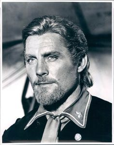 size: Photo: Custer l homme by l ouest by RobertSiodmak with Robert Shaw, 1967 (b/w photo) : Entertainment Golden Age Of Hollywood, Classic Hollywood, Westerns, Robert Shaw, Cute White Boys, Western Movies, Magazine Articles, Portrait Photo, Real People