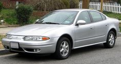 1024px-Oldsmobile_Alero_sedan_--_03-16-2012.JPG (1024×551)
