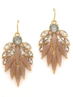 pretty petal earrings  http://rstyle.me/n/m9fgspdpe