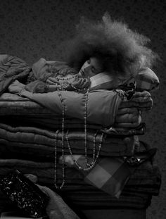 Princess and the Pea slippers Dark Fairytale, Fairytale Fantasies, Hair Afro, Black And White People, Fairytale Fashion, Princess And The Pea, Monochrome Fashion, Weird World, Stars And Moon