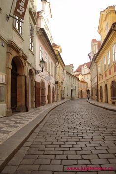 Улочка в центре Праги