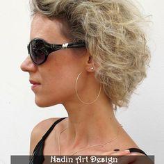 Goldene Creolen Ohrringe / Leichte Große Creolen von NadinArtDesign auf DaWanda.com