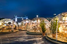 'igloos' for sitting outside in the winter at Coppa Club, near The Tower of London.Clear 'igloos' for sitting outside in the winter at Coppa Club, near The Tower of London. Weihnachten In London, Garden Igloo, Garden Gazebo, London Christmas, London Winter, Winter Christmas, Christmas Time, London Clubs, Night Clubs In London