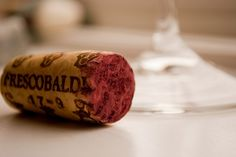 Are you a wine cork hoarder? Use up all of those leftover wine corks with these five easy wine cork projects for your home and garden. Tapas, American Drinks, Wine Education, Stop Drinking, Wine Quotes, In Vino Veritas, Shipping Boxes, Shipping Containers, Paulo Coelho