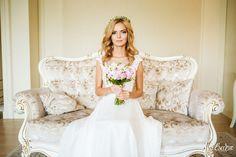 Art Wedding photo, sweet and tenderness bride