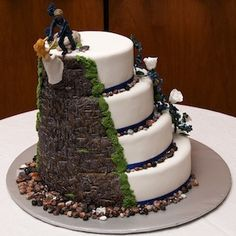 A rock climbing cake that doesn't look like a pile of poop!